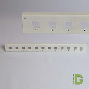 Frontplate for 12 x LC duplex adapter firkantet type